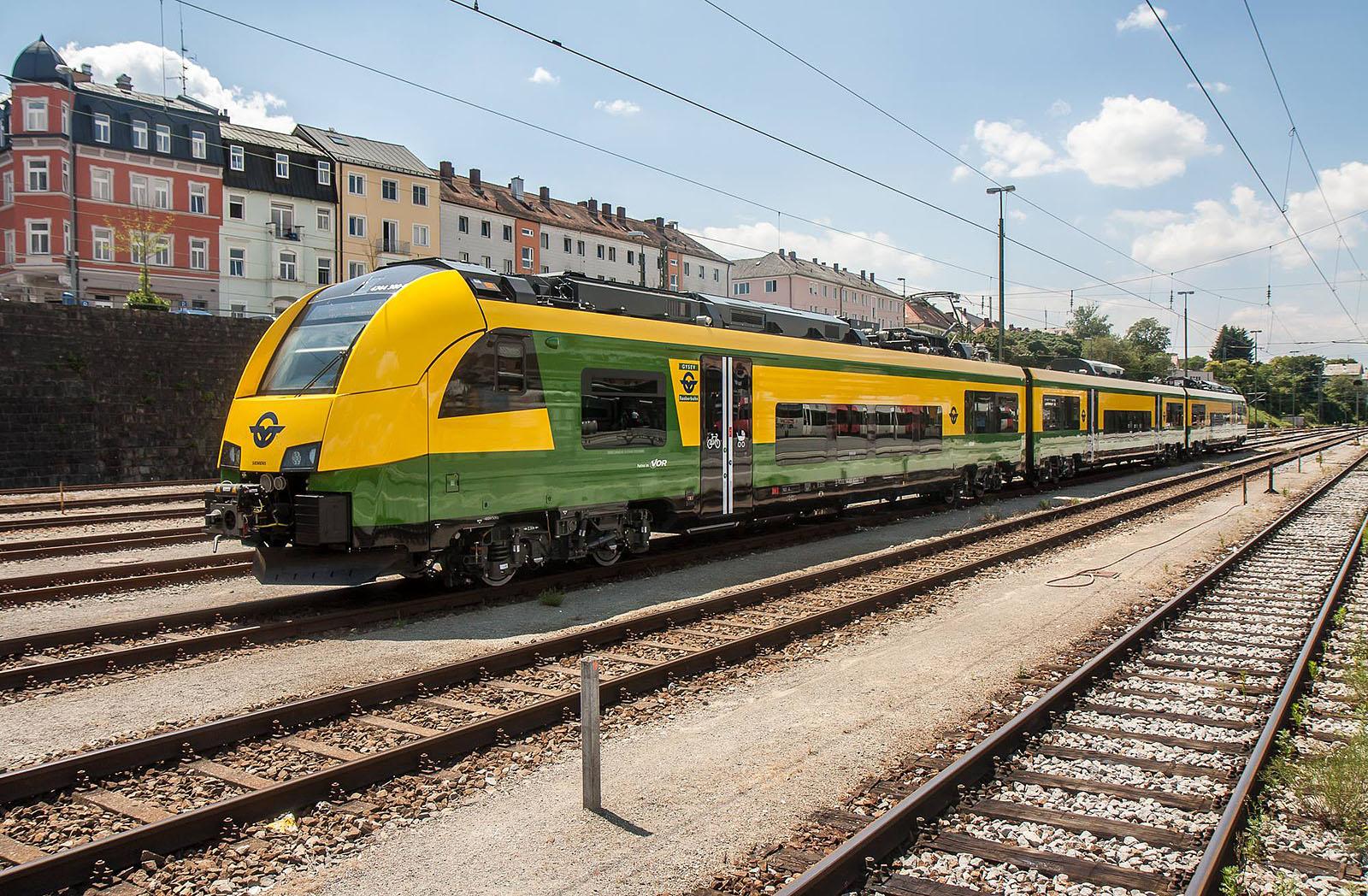GySEV 4744 300 at Passau, 07.07.2016 - Copyright Christian Blumenstein.
