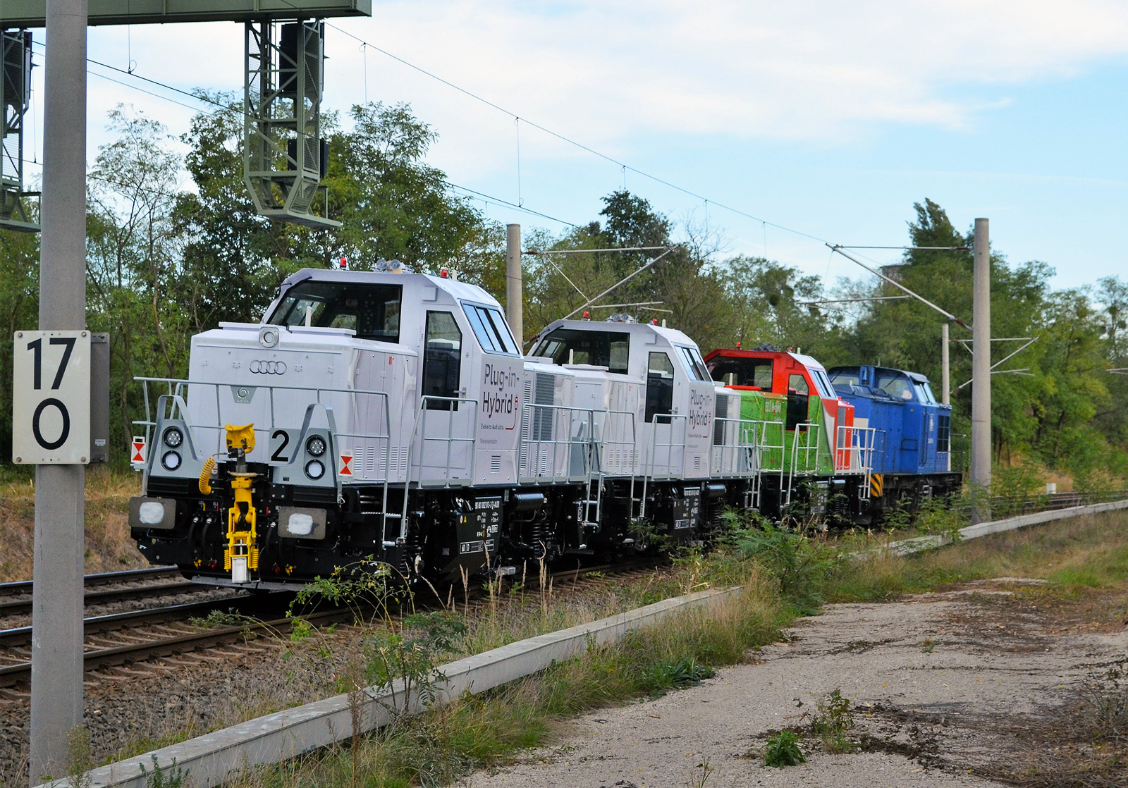 Audi 1002 013 an 010, DB 1002 009 and 204 036 at Roßlau on 29.09.16. Andreas Meier