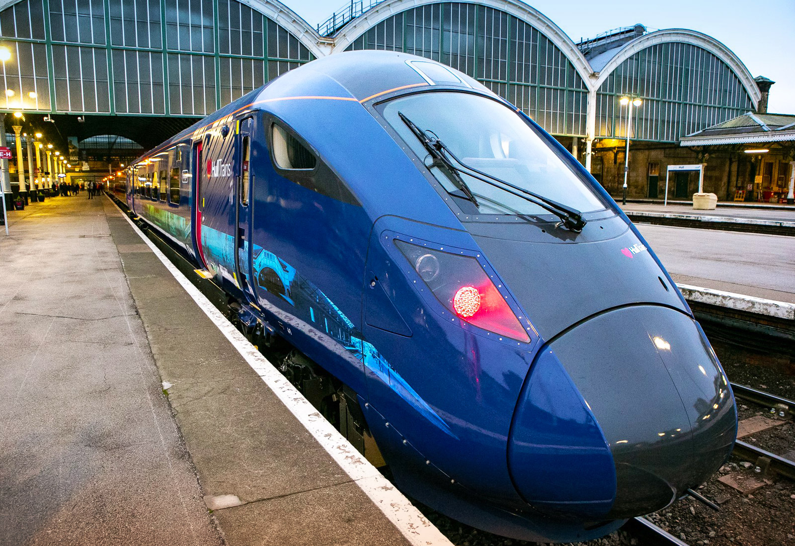 UK] Hull Trains: The first Paragon bi-mode enters service